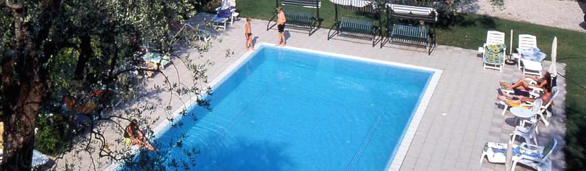 Hotel con piscina lago di garda hotel villa isabella - Hotel con piscina verona ...
